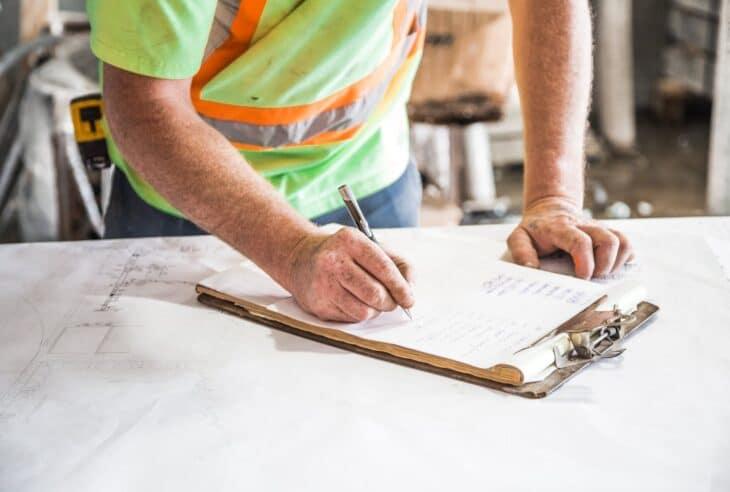 jak wybrac firme budowlana